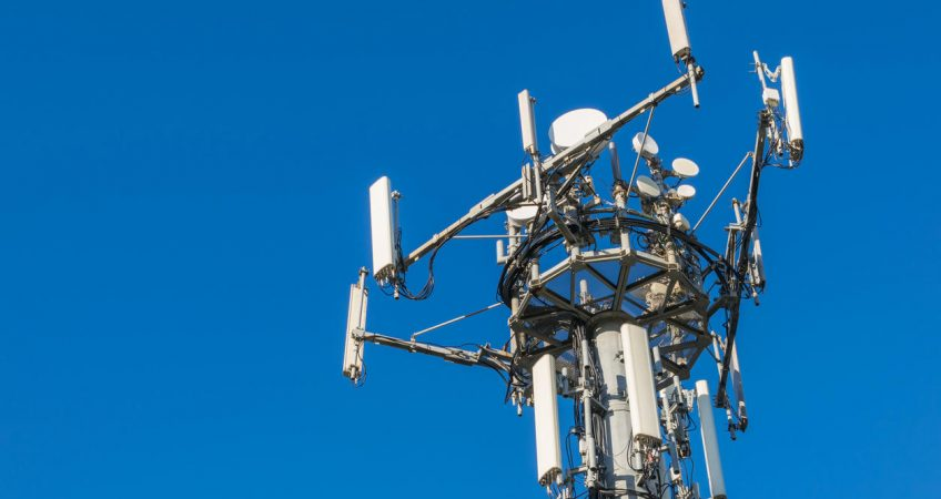 What lifting equipment is to be chosen for cell tower inspection?
