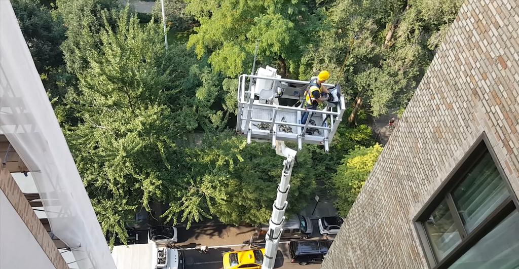 aerial-lift-from76-to-300-2 Truck Mounted Aerial Lifts Rental from 76' to 300'